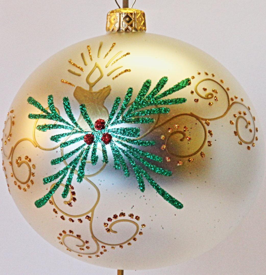 Silberne Weihnachtskugeln.Matte Silberne Weihnachtskugeln Aus Glas