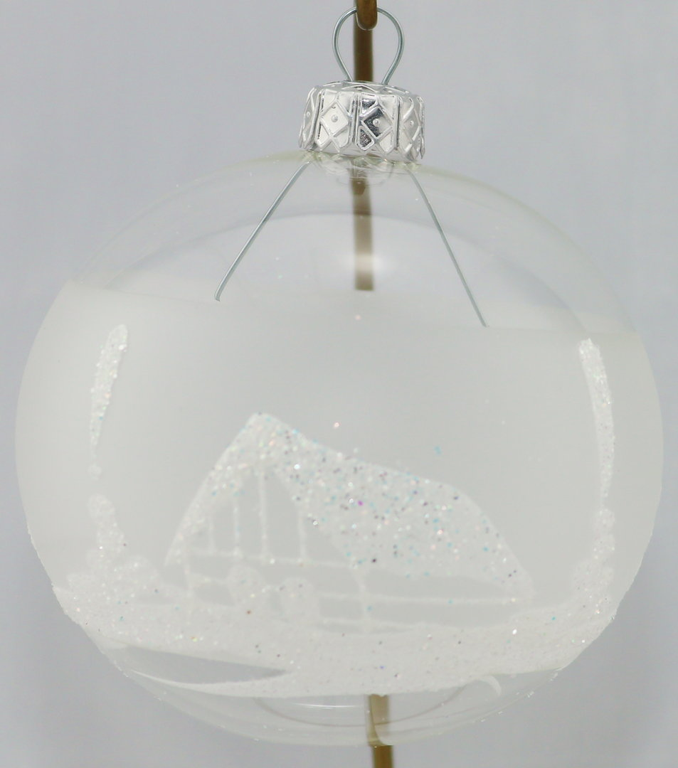 durchsichtige weihnachtskugeln mit winterlandschaf aus glas. Black Bedroom Furniture Sets. Home Design Ideas