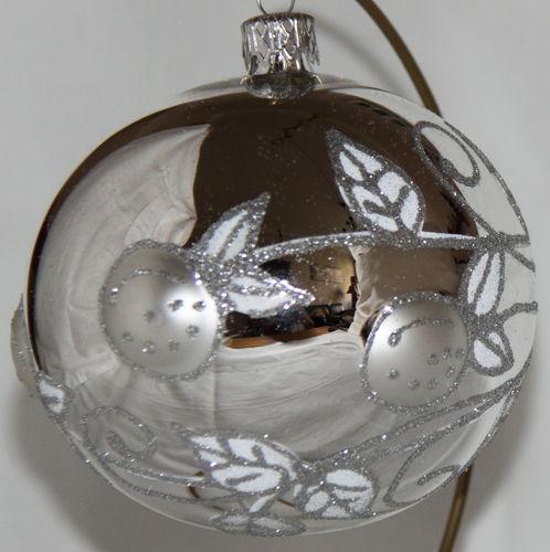 Silberne Weihnachtskugeln.Silberne Weihnachtskugeln
