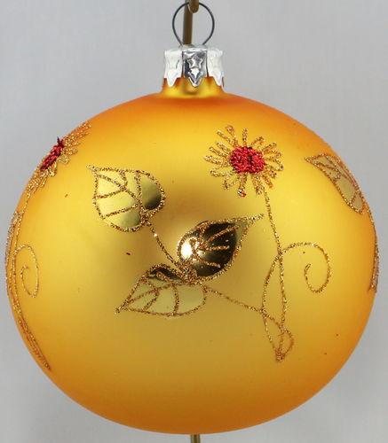 Goldene Weihnachtskugeln.Matte Goldene Weihnachtskugeln Mit Goldenen Blumen